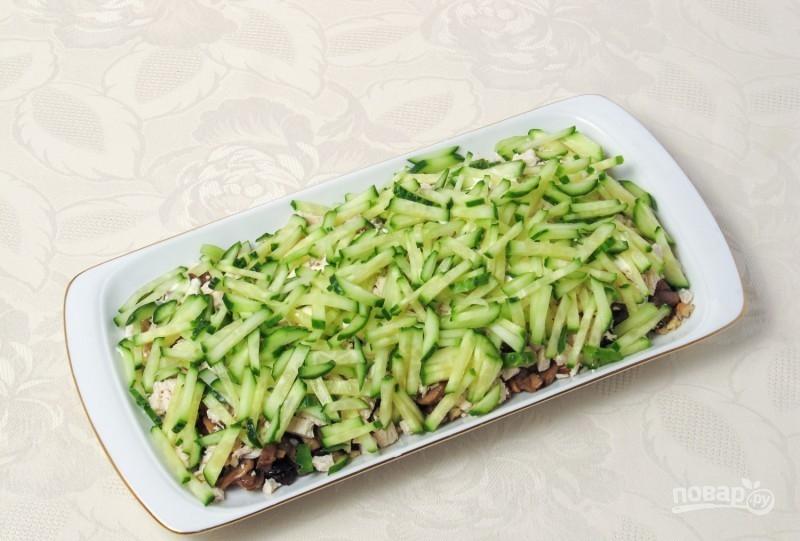 салат с грибами жареными и курицей слоями рецепт с фото
