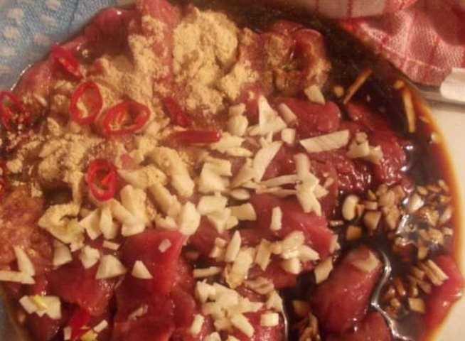 Говядина, маринованная в соевом соусе   - фото шаг 2