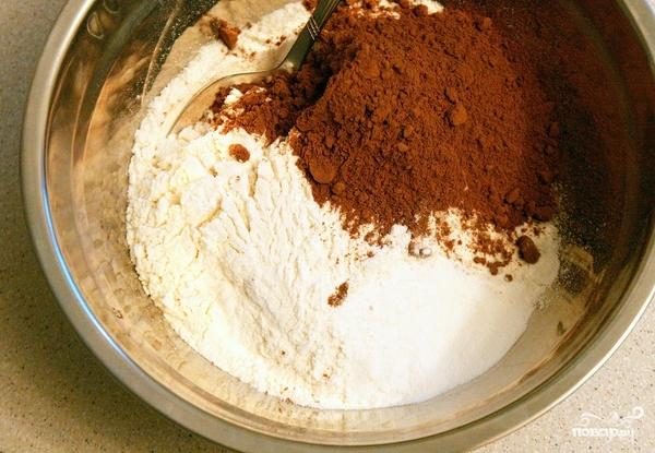 Бисквит с творожным кремом - фото шаг 1
