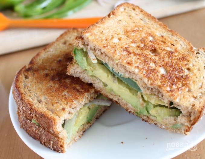 Бутерброд с авокадо - фото шаг 4