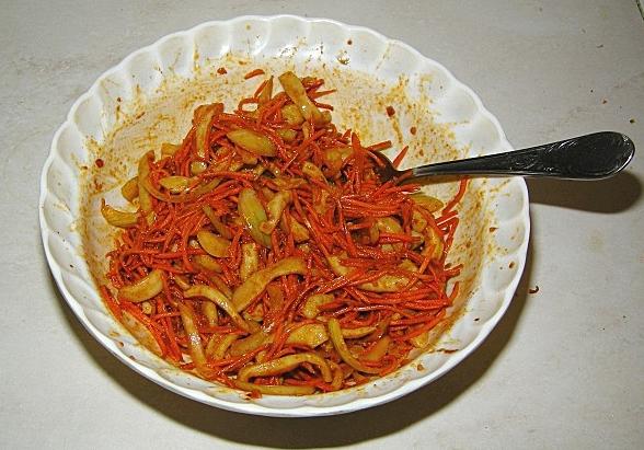 Хе из моркови и кальмаров - фото шаг 7