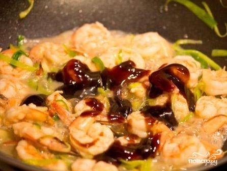 Креветки в устричном соусе - фото шаг 6