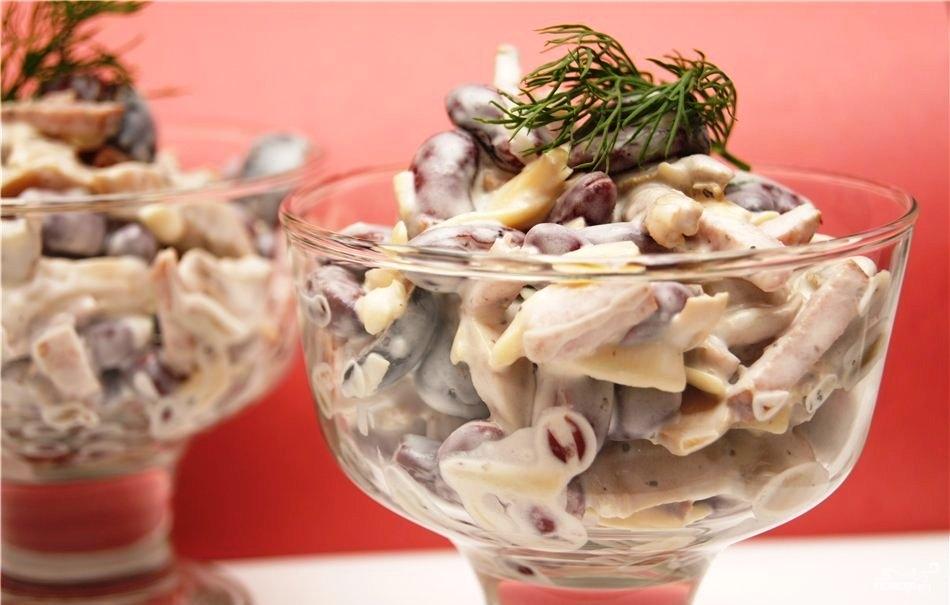 Рецепт Салат с солеными грибами