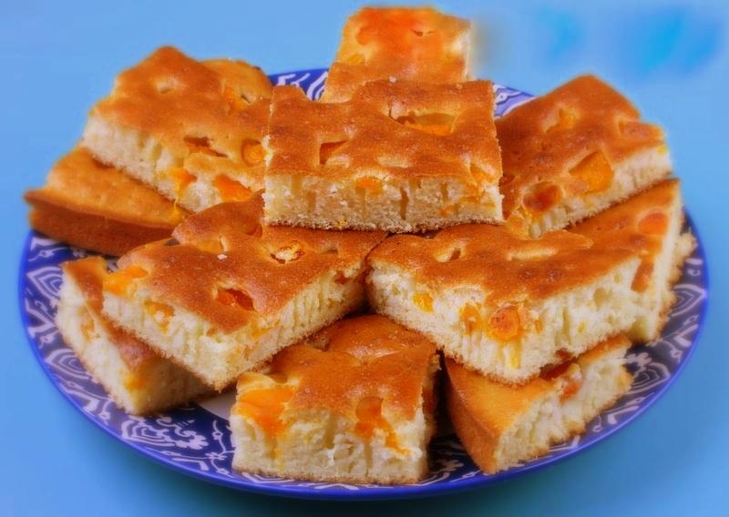 Пирог с абрикосами на кефире - фото шаг 3