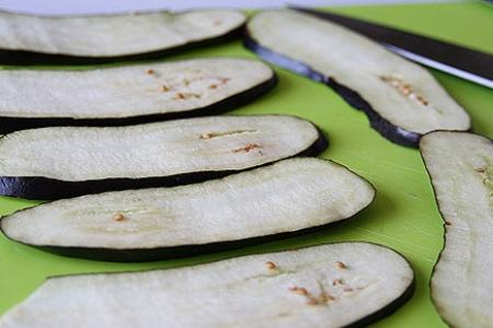 Рецепт Вкусные рулетики из баклажанов с сыром