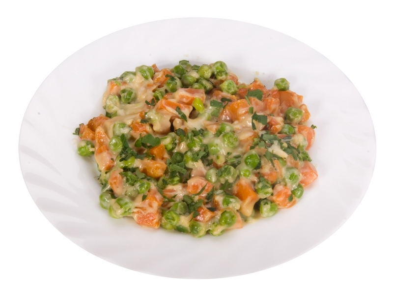 Морковь с зелёным горошком - фото шаг 7