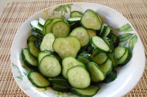 Салат к чебурекам - фото шаг 3