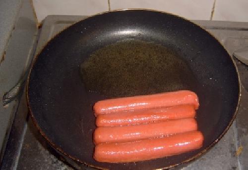 Булочки с колбасой - фото шаг 7