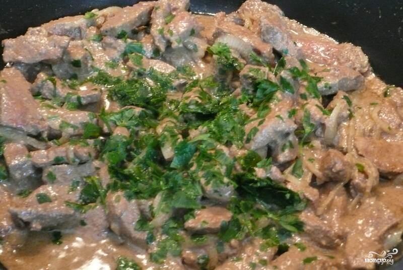 Печень говяжья на сковороде