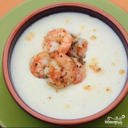 Сливочный суп с цветной капустой, картофелем и креветками - фото шаг 9