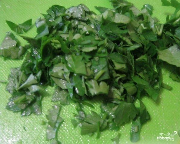 Салат с капустой и копченой колбасой - фото шаг 3