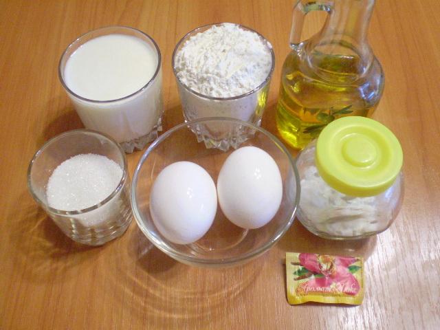 Оладьи на кефире с яйцами - фото шаг 1