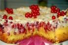Торт фруктовый со смородиной