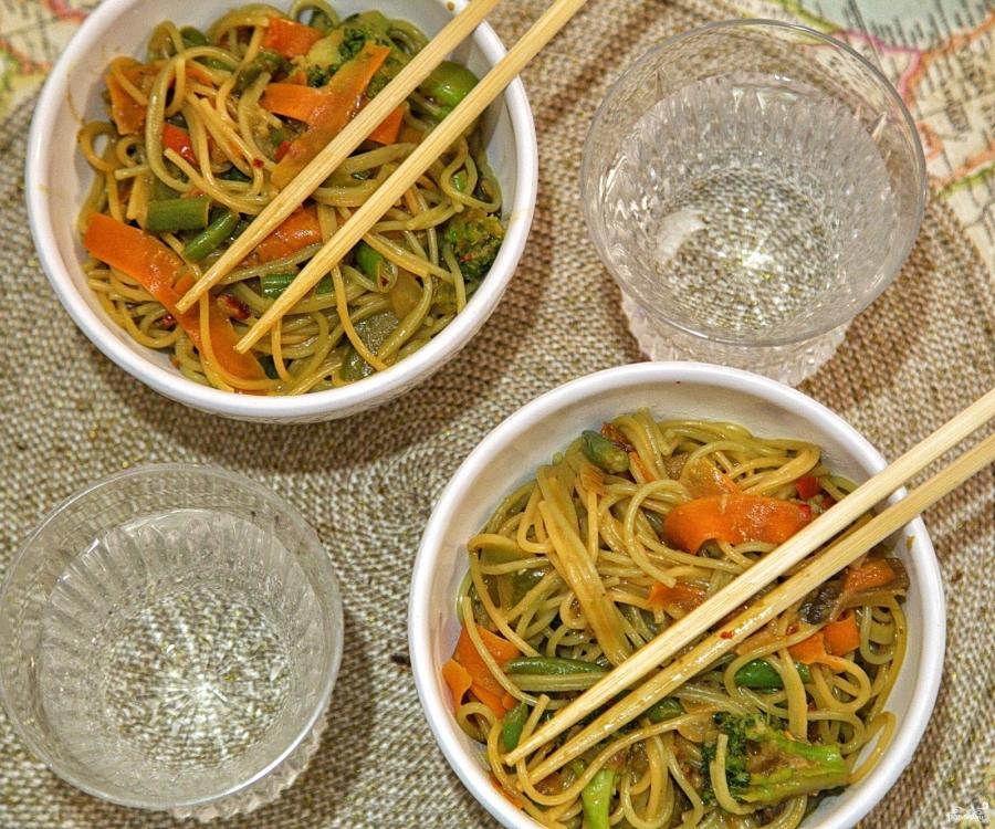 Лапша с овощами - фото шаг 4