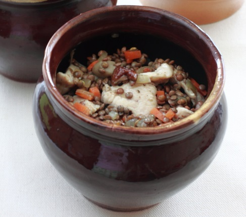 Чечевица с мясом в горшочке - фото шаг 5