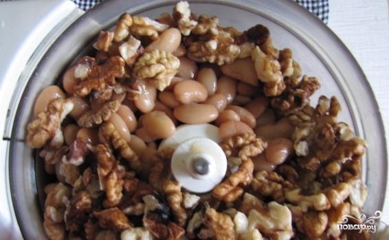 Паштет из фасоли и грецких орехов - фото шаг 2