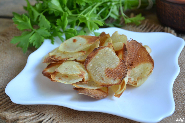 Картофельные чипсы в микроволновке