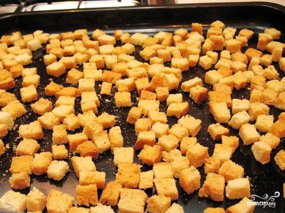 Картофельный суп-пюре с гренками - фото шаг 1