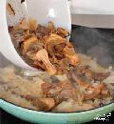 Куриные грудки с грибами в меду - фото шаг 3
