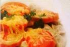Пельмени с помидорами и сыром