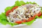 Куриный салат с ветчиной и опятами