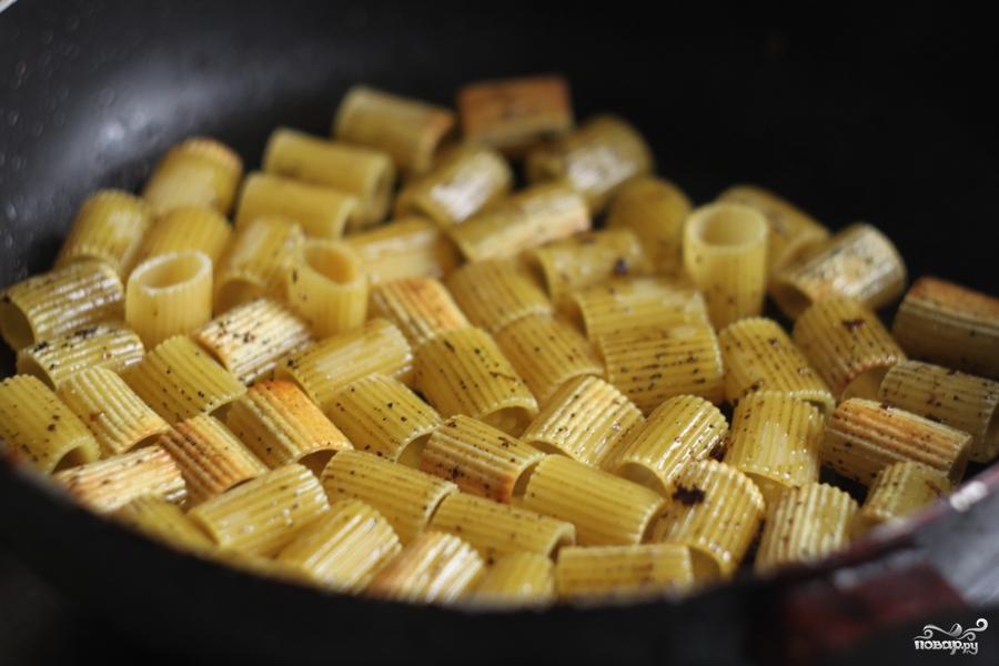 Жареные макароны - фото шаг 2
