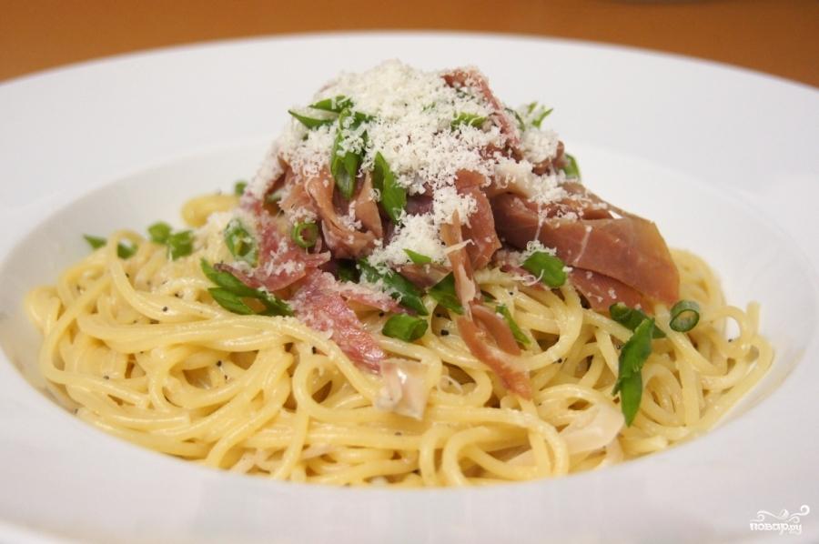 Спагетти с копченостями - фото шаг 4