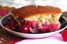 Пирог на кефире с вишней