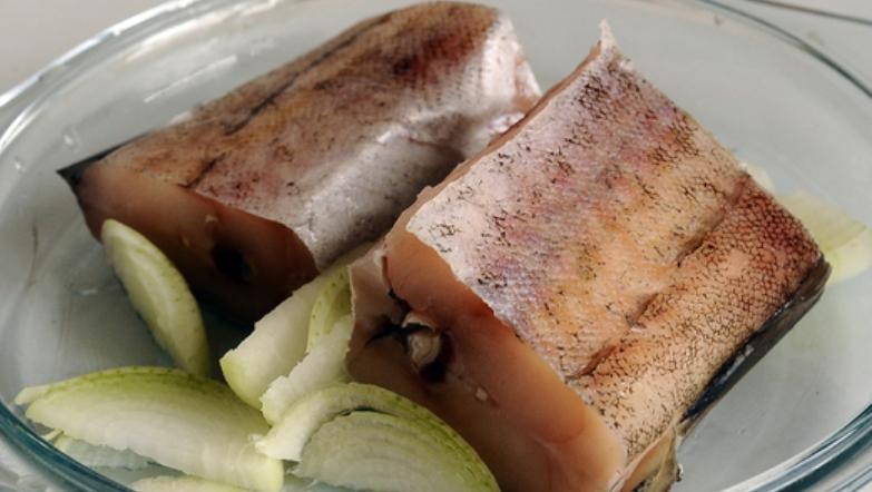 Рецепт Минтай под сливочным соусом