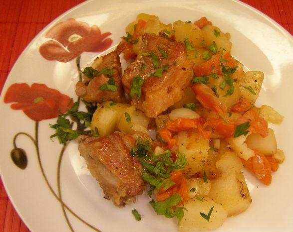 Картошка с мясом в духовке — 61 рецепт с фото. Как запечь ...