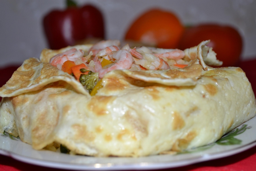Рис с овощами, креветками и кальмарами - фото шаг 5
