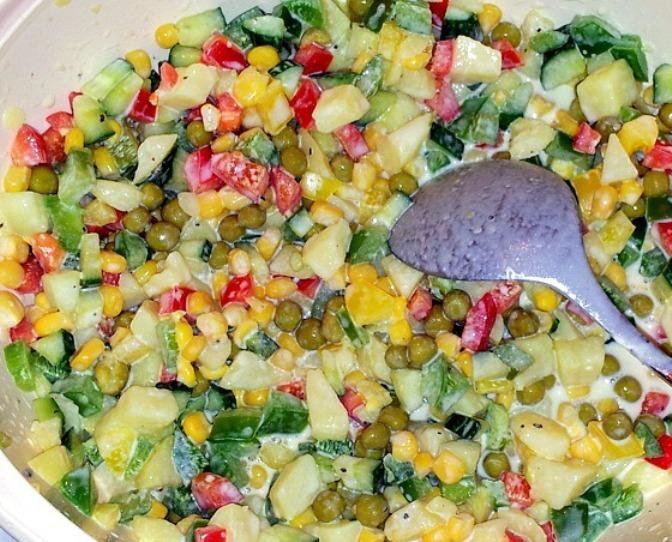 Желейный салат с яйцами и овощами - фото шаг 5
