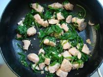 Лазанья с лососем и шпинатом - фото шаг 2