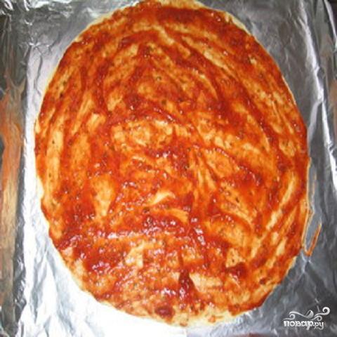 Пицца с помидорами и колбасой - фото шаг 1
