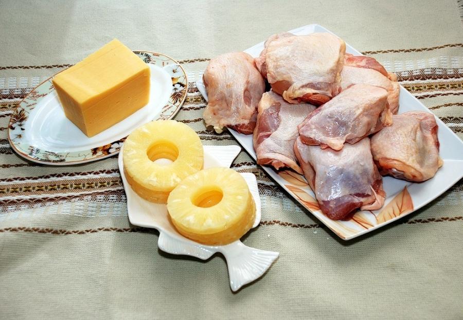 Рецепт Курица с ананасами и сыром