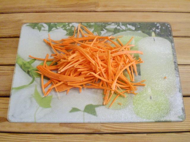 Картошка с морковью и луком - фото шаг 2