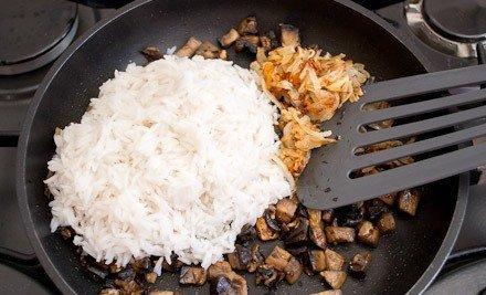 Курица, фаршированная грибами и рисом - фото шаг 8