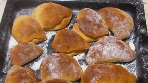 Пирожки с повидлом в духовке - фото шаг 7