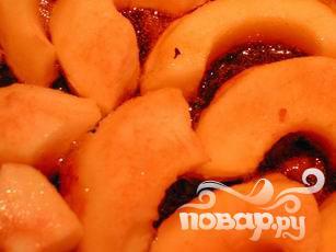 Пирог с карамельными яблоками - фото шаг 7