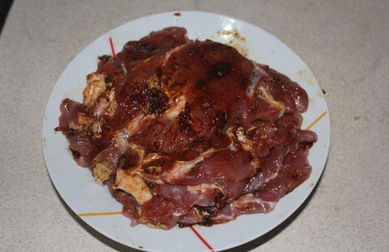 Свинина в соевом соусе в духовке - фото шаг 5