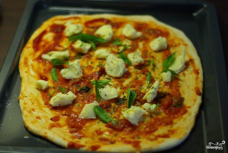 Пицца на тонком тесте - фото шаг 8