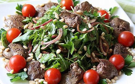 Горячий салат с куриной печенью - фото шаг 6