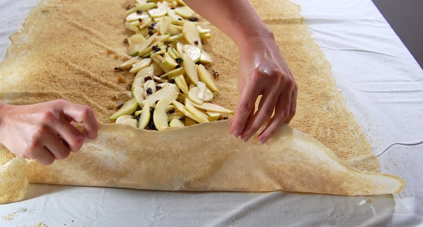 Тесто для штруделя - фото шаг 11