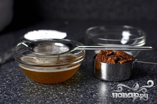 Пирог с кукурузной мукой и орехами - фото шаг 1