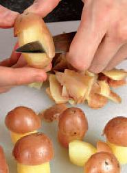 Грибы из картофеля - фото шаг 2
