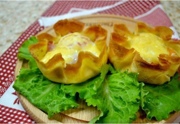 Салат в блинных мешочках - фото шаг 3