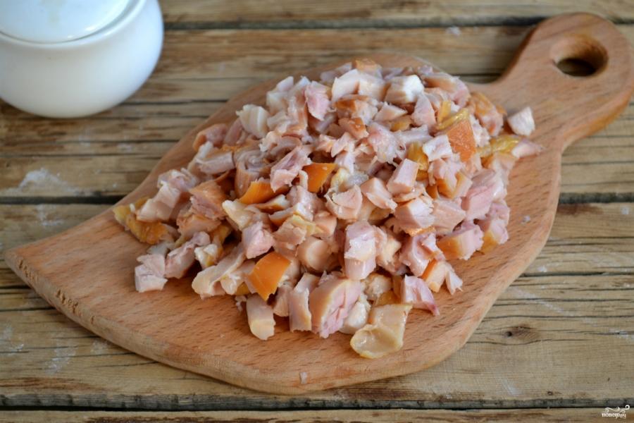 салат лисичка с корейской морковкой и копченой курицей рецепт с фото
