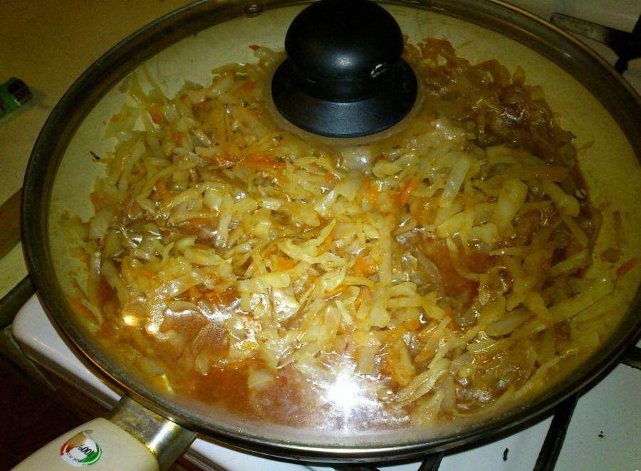 Капуста в духовке с картошкой - фото шаг 3