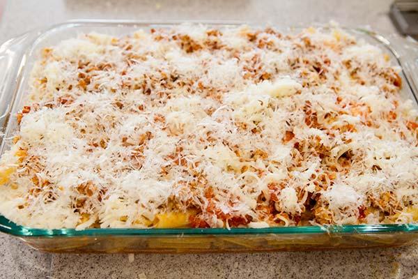 Макароны под соусом в духовке - фото шаг 5