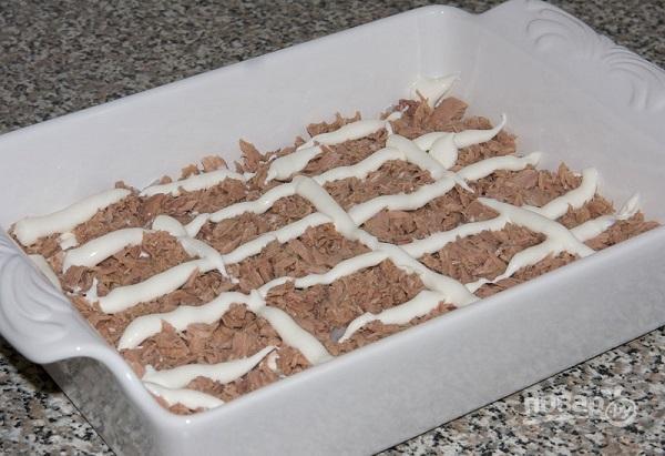 Салат из рыбных консервов с рисом - фото шаг 3